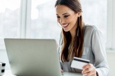 10 strategies on how to save money shopping online.